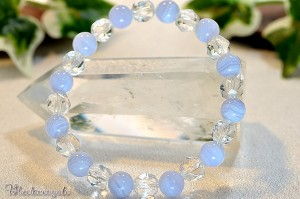 ブルーレースアゲートとスターカット水晶のブレスレット