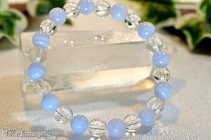 ブルーレースアゲートと水晶のブレスレット