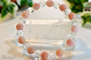 ピンクオパールとスターカット水晶のブレスレット