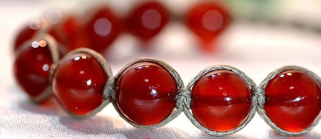 赤が美しい編み紐×レッドアゲート