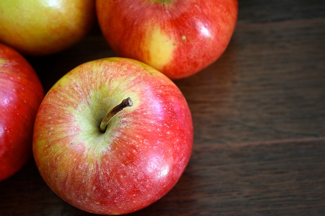 apple-1427363_640