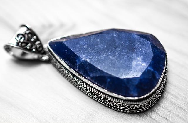 sapphire-1433293_640