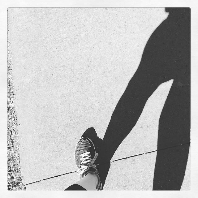 walking-987451_640
