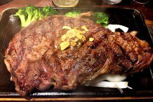 誕生月特典!いきなりステーキのリブロースをご堪能!